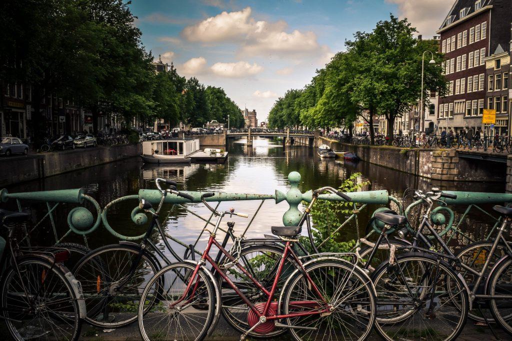 Hire bike in amsterdam