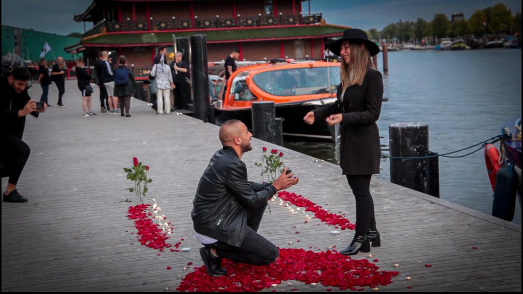 הצעת נישואין באמסטרדם
